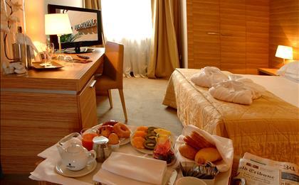 Hotel Area ****