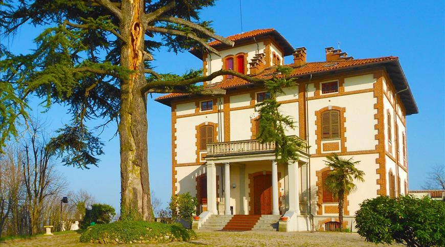 Hotel Villa Conte Riccardi *** - Rocca d'Arazzo (AT) - Piemont