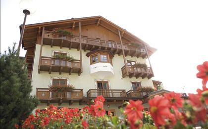 Hotel Almazzago ***S