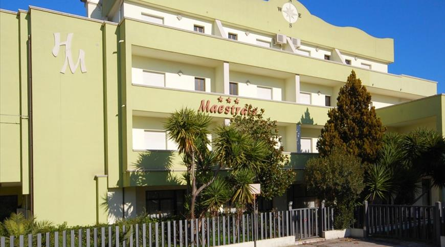 Hotel Maestrale *** - San Benedetto del Tronto (AP) - Marche