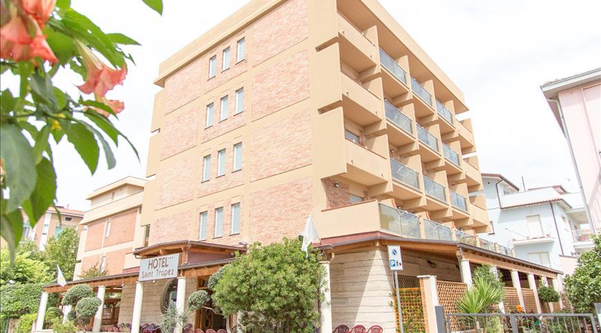 Hotel Saint Tropez *** - Pineto (TE) - Abruzzen
