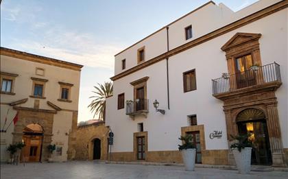 Hotel Carmine ***