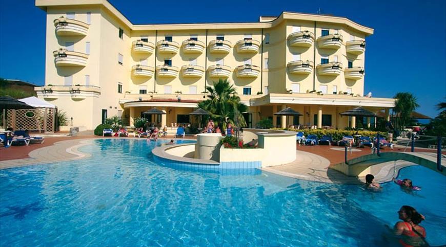 Hotel Sunshine Club **** - Ricadi (VV) - Calabria