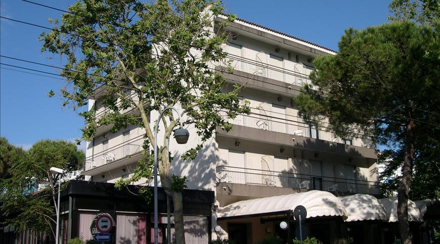 Hotel Garisenda *** - Riccione (RN) - Emilia Romagna