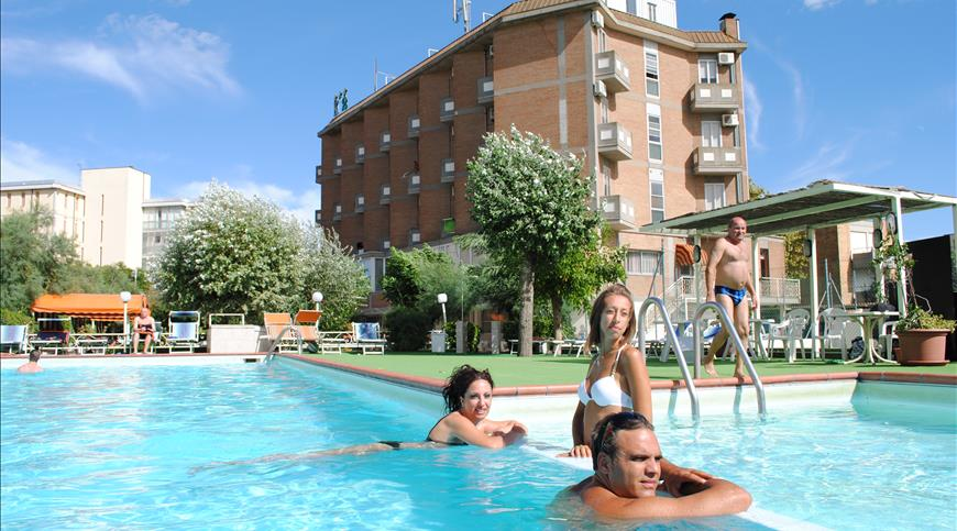 Hotel Family Marina Beach *** - Lido Adriano (RA) - Emilia Romagna