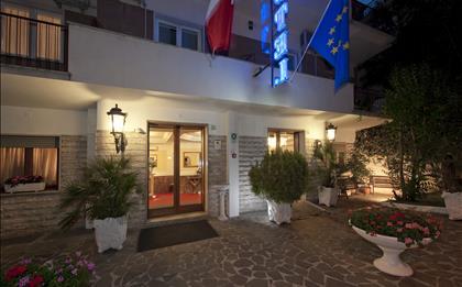 Hotel Club House  ****