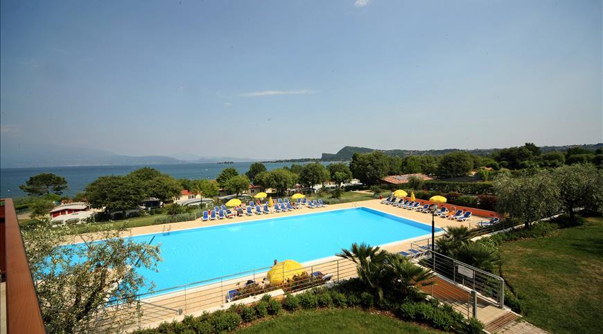 Residence onda blu manerba del garda bs lombardia ignas tour - Hotel manerba del garda con piscina ...