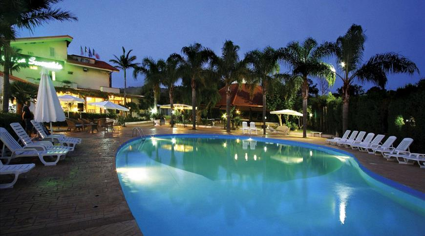 Hotel Costa Smeralda *** - San Nicolò di Ricadi (VV) - Calabria